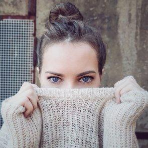 4 Home Remedies to Treat Dark Circles