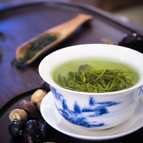 5 Awesome Skin Benefits of Green Tea