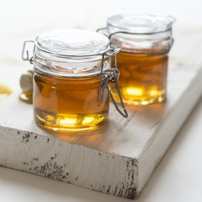 5 Amazing Benefits of Honey for Your Hair