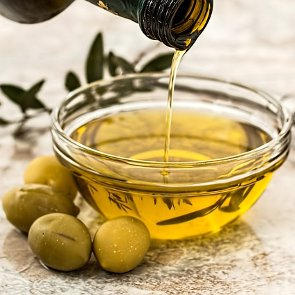 6 Benefits of Olive Squalane for Your Skin