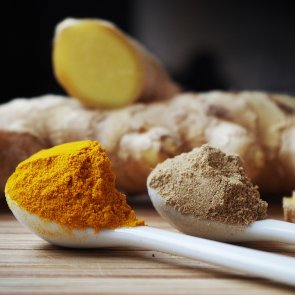 5 Homemade Face Masks With Turmeric for Healthy and Glowing Skin