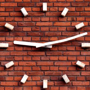 How to Choose a Clock to Suit Your Interior Design