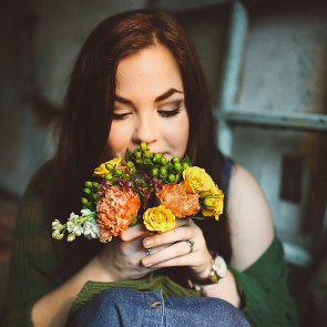 8 Best Ways to Make Your Girl Feel Special