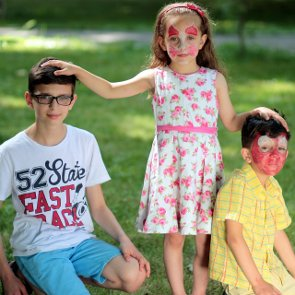 5 Perks of Being the Middle Child