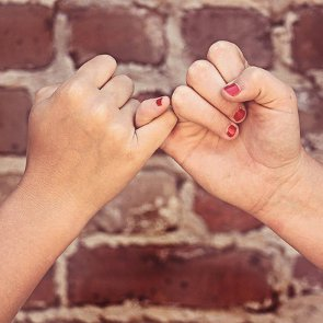 3 Nasty Situations When It's OK to Break a Promise Given to Your Friend