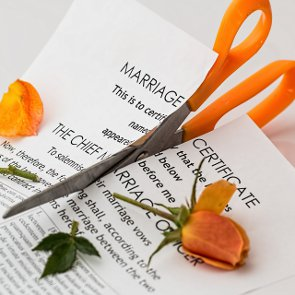 How to Go Through a Messy Divorce