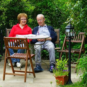 7 Signs That You're an Old Married Couple