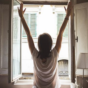 How to Become a Morning Person in Five Minutes