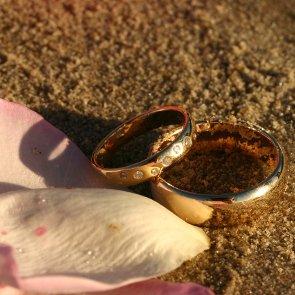 8 Tips for Planning a Beach Wedding