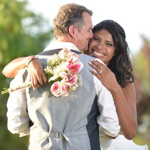 5 Ideas For A Wedding Vow Renewal Ceremony