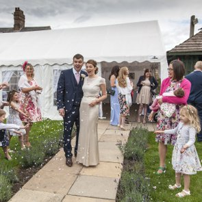 6 Tips for Wedding Guests